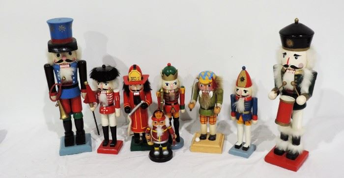 COLLECTIBLE WOOD NUTCRACKER LOT