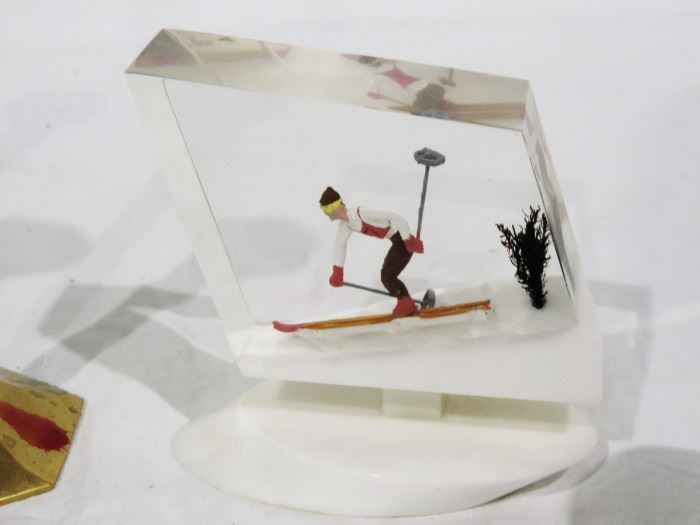 LUCITE MADE IN CANADA FIGURE OF SKIER