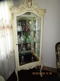 Fenton Bell Collection, Ornate Display Curio...