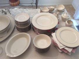 Lennox fine dinner set