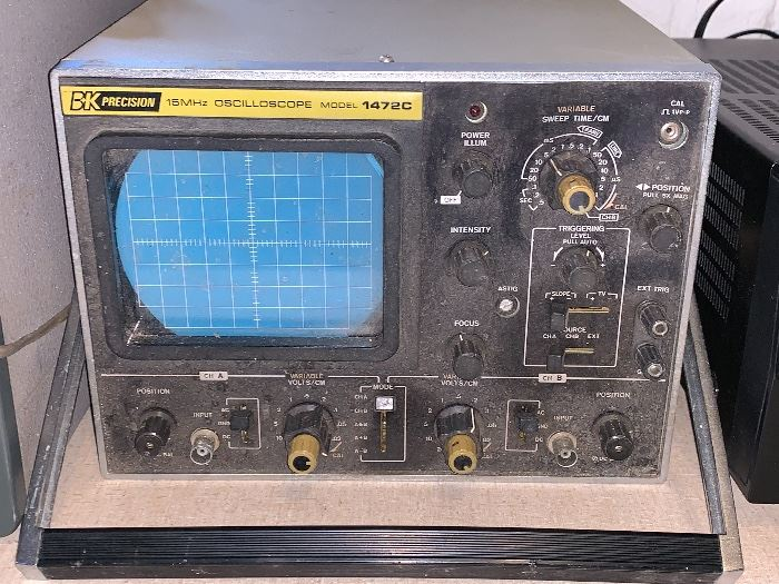 Vintage BK Precision 15MHz Oscilloscope model 1472C