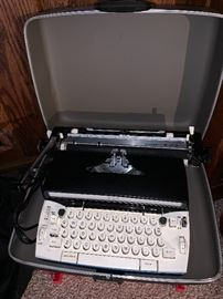 Sears Typewriter w/case