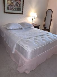 Queen mattress and bedding