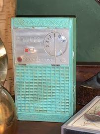 Vintage Philco Transistor radio