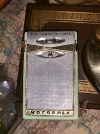 Motorola 6 transistor radio model X11g with case