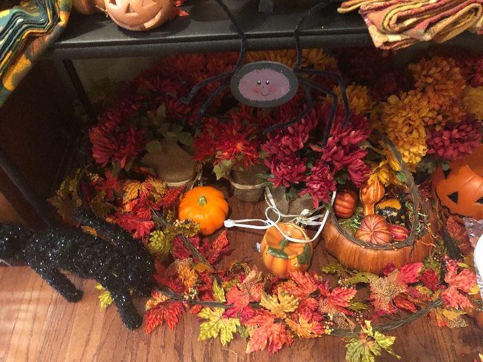 Oodles of autumn decor