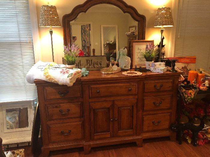 Handsome dresser with mirror. A nice accompaniment to the other pieces in the bedroom