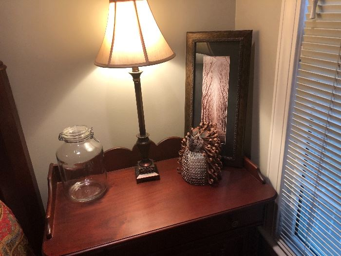 another view of  the gorgeous wood on the night stands