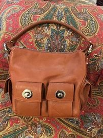 Cute leather bag with great pockets