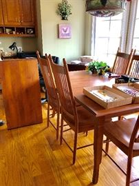 Really nice kitchen or dining room table and chairs