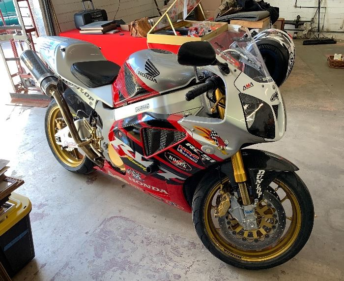 Sold 2004 Honda Nicky Hayden Commemorative RVT 1000R RC51 Motorcycle