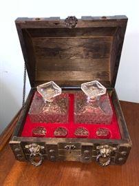 Cute treasure chest bar set