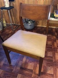 Basic Witz mid-century modern chairs - 4 total