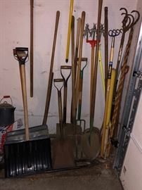 Long handled garden tools