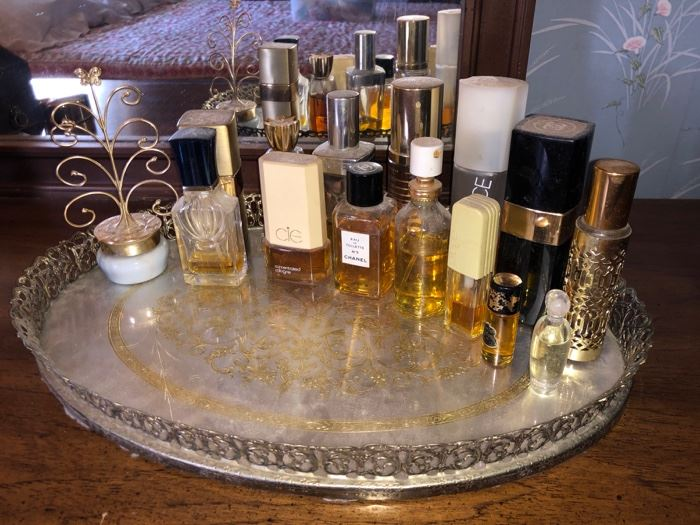 Dresser tray and perfume