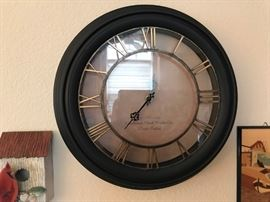 Wall clock.  $10  All items MUST be picked up on March 21st or 22nd only.  If you are unable to do this please email rcullen@virtualparalegalny.com PRIOR to purchasing.  Sale has a house full of items available for sale, you are welcome to shop when you pick up your purchased items.  Lots of home decor, 2 closets FULL of ladies clothes and shoes, all like new and name brand, garage stuff, kitchen stuff etc. GREAT PRICES!