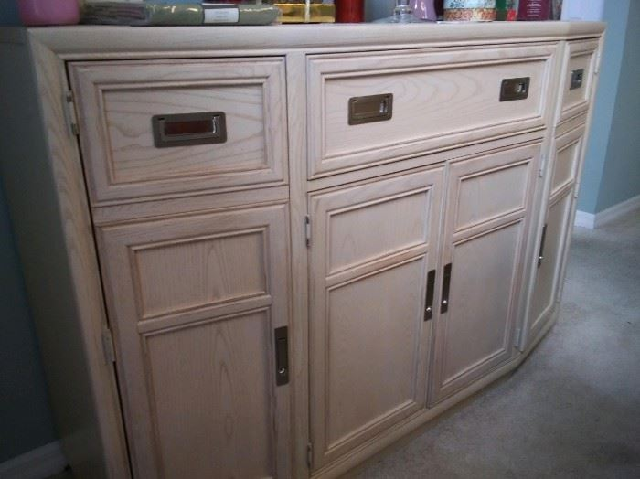 $100. Large sideboard/buffet.  Excellent condition.  All items MUST be picked up on March 21st or 22nd only.  If you are unable to do this please email rcullen@virtualparalegalny.com PRIOR to purchasing. Sale has a house full of items available for sale, you are welcome to shop when you pick up your purchased items.  Lots of home decor, 2 closets FULL of ladies clothes and shoes, all like new and name brand, garage stuff, kitchen stuff etc. GREAT PRICES!