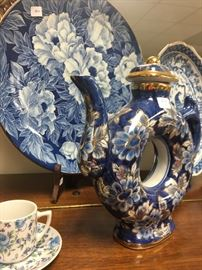 blue and white Asian style pieces