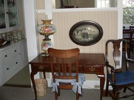 Ladies writing desk, vintage lamp and picture.