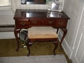 Vintage vanity with stool, the middle lifts to reveal mirror.