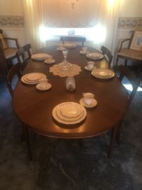 Table with 6 chairs, set of 12 ivory 7192 Noritake dishes
