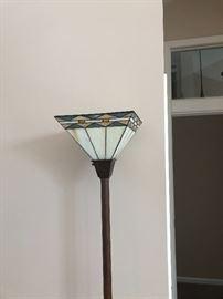 FLOOR LAMP TIFFANY STYLE SHADE