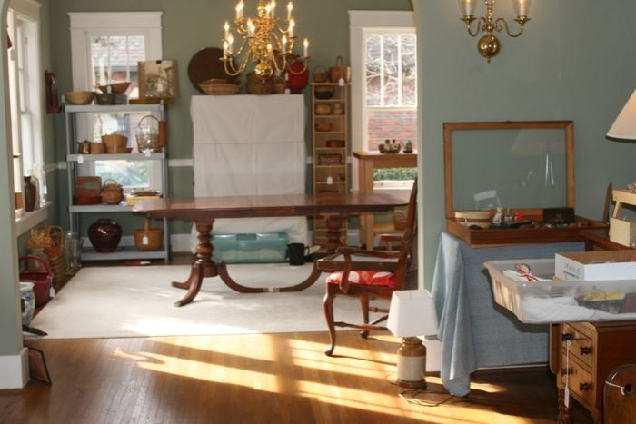 Cherry dining room table, vintage @ 1930's-40's. Has two additional leaves