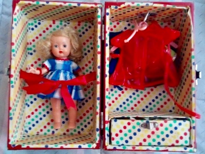 MUFFIE STORYBOOK DOLL IN ORIGINAL SUITCASE WITH ACCESSORIES