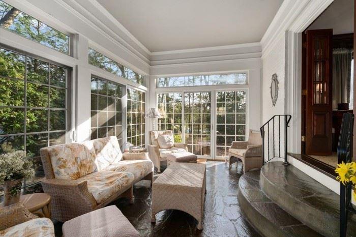 Beautiful sunroom furniture
