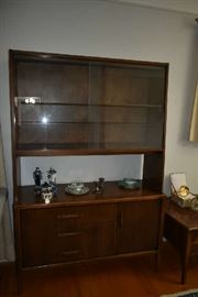 ROBINSON FURNITURE CHINA HUTCH