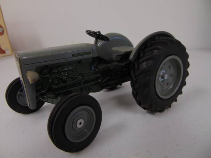Diecast Ford Tractor