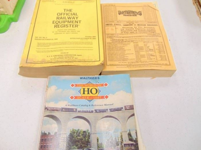 2 Official Rail Road Equipment Masters HO Scale ...