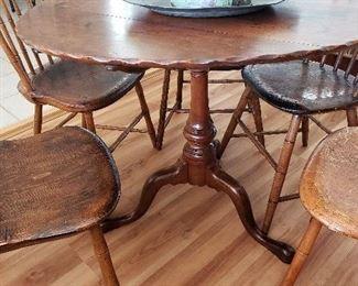 Tilt-top pie crust table, pedestal, spins