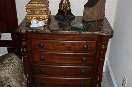 Kincaid Queen Bedroom Suite