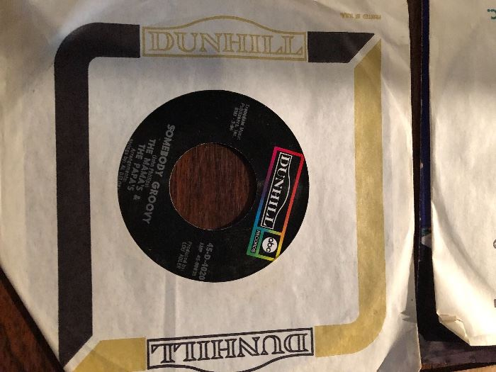 Mama's and the Papa's California Dreaming/Somebody Groovy 45 RPM
