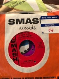 Smash Records, The Apple Thank you very much/ Your heart is just free like the wind 45RPM UK Pshychedelic rock
