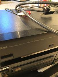 Yamaha AM/FM Tuner TX 350