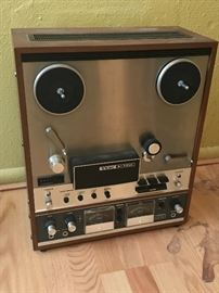 Teac A-7010 reel to reel player
