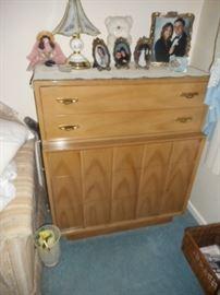 Mid Century Bedroom Furniture pieces