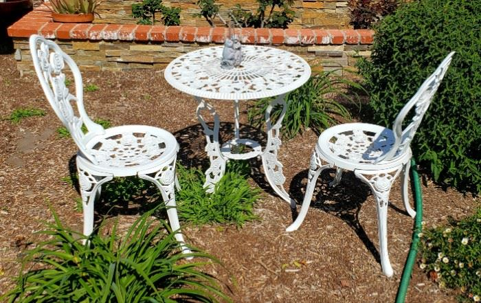 vintage metal.patio set