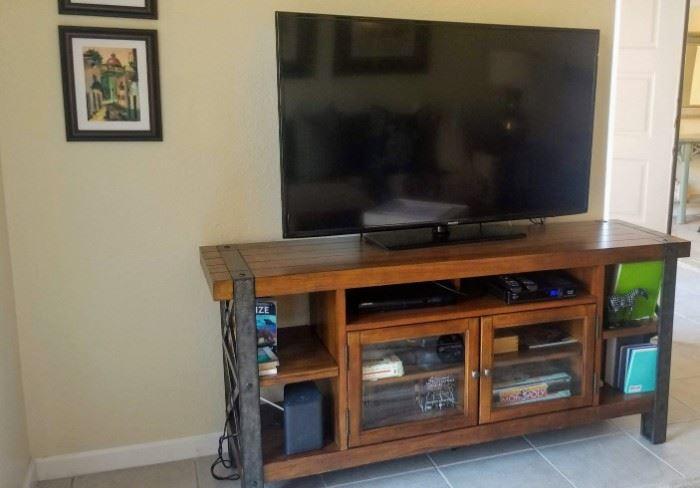 "Samsung 55"" TV  UN55H6203AFXZA  & Sierra Metal & Wood TV Console in Landmark Worn Oak"