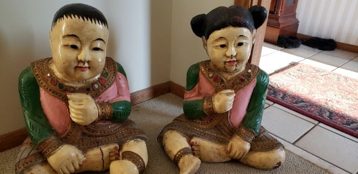 Oriental wooden figures from the orient