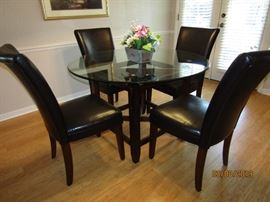 AS YOU CAN SEE IT IS GREAT FOR A SMALL DINING ROOM OR A GREAT ROOM COMBO/TV ROOM FOR DINING.. 6 PC.. LEATHER CHAIRS