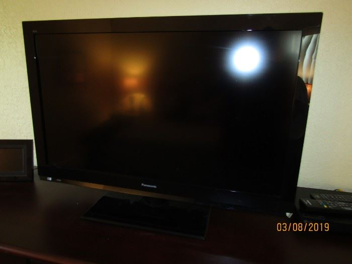 "42"" TV.. excellent condition on a stand.."