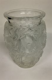 LALIQUE BAGATELLE FROSTED VASE