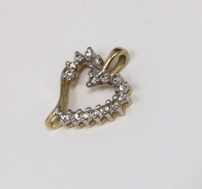 14K GOLD AND DIAMOND HEART