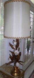 heavy gold metal flower lamp