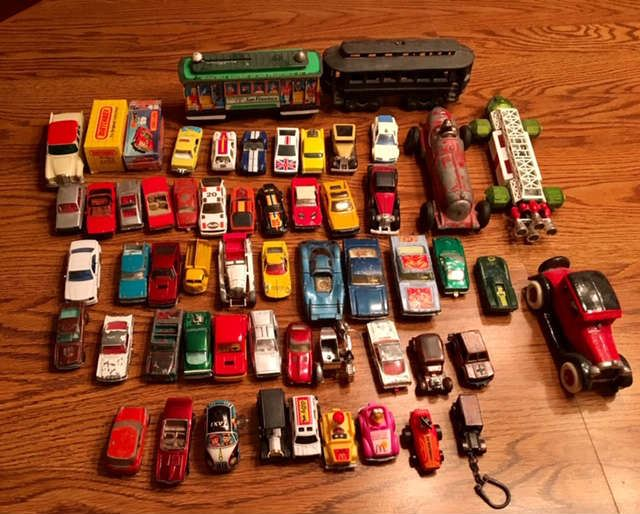 Collection of Hot Wheels and Matchbox.