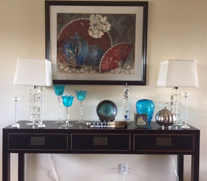 Entry table with crystal lamps