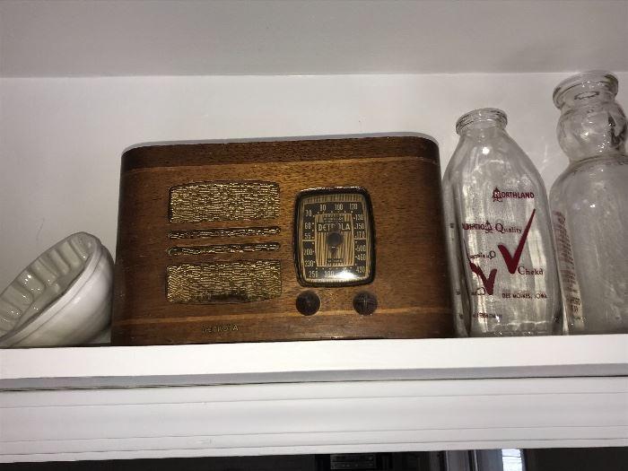 Vintage Detrola Radio